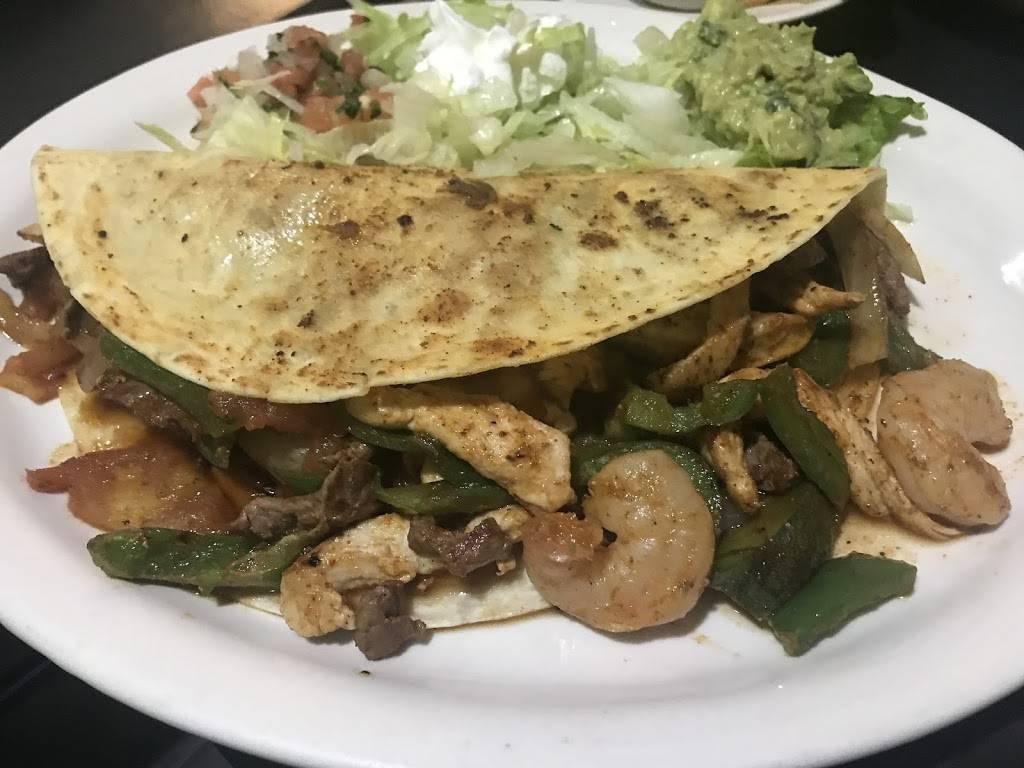 Kiwis Mexican Cuisine   restaurant   300 Springville Station, Springville, AL 35146, United States   2054677618 OR +1 205-467-7618