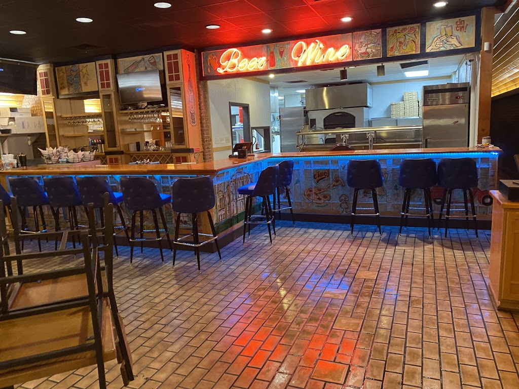 Fratellos Italian Restaurant & Pizzeria   restaurant   2112 Wade Hampton Blvd, Greenville, SC 29615, USA   8642637888 OR +1 864-263-7888