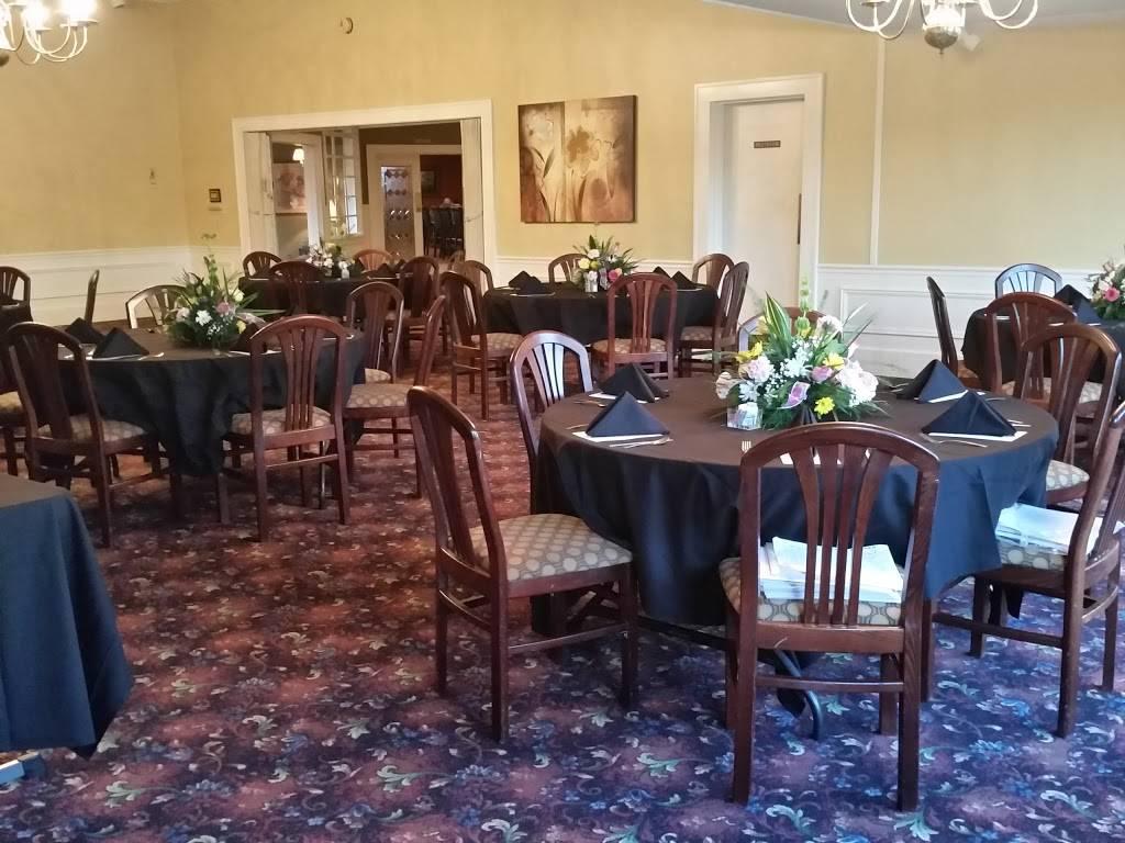 Forrest City Country Club | restaurant | 922 E Cross Ave, Forrest City, AR 72335, USA