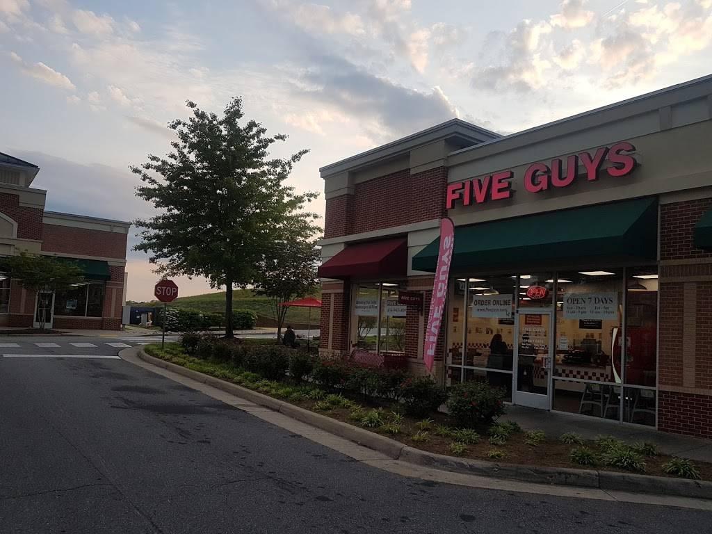 Hollymead Town Center | shopping mall | 163 Community St, Charlottesville, VA 22911, USA