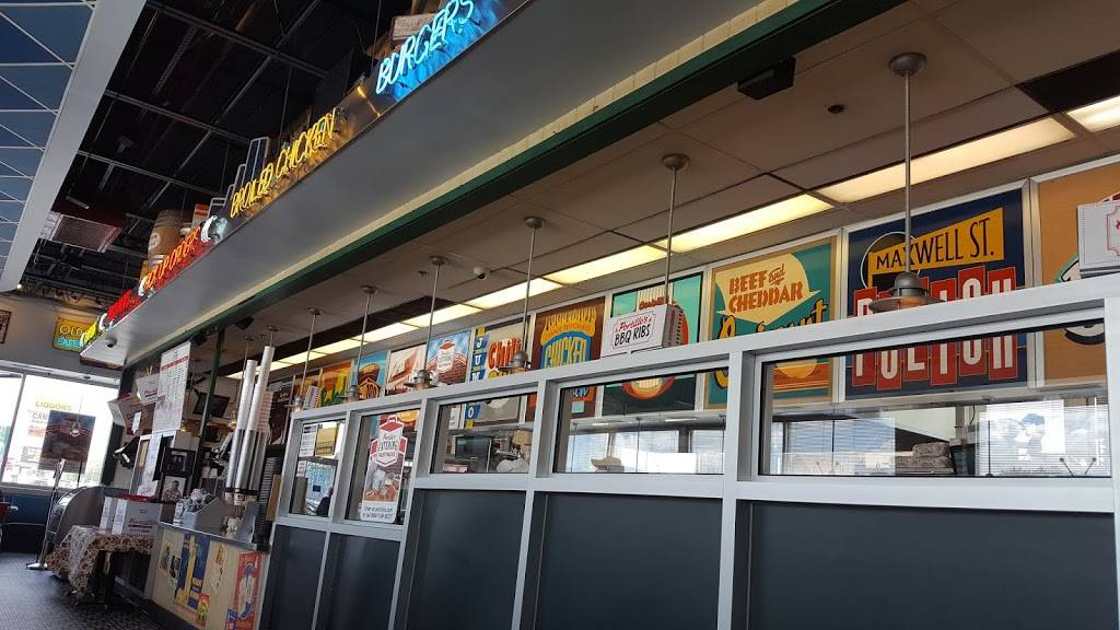 Portillos Hot Dogs | meal takeaway | 635 1/2 North Ave, Villa Park, IL 60181, USA | 6305308440 OR +1 630-530-8440