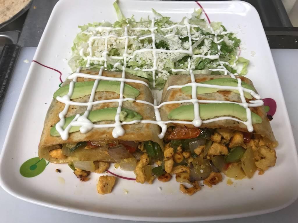Maxs Deli | restaurant | 2623 Atlantic Ave, Brooklyn, NY 11207, USA | 9179668200 OR +1 917-966-8200