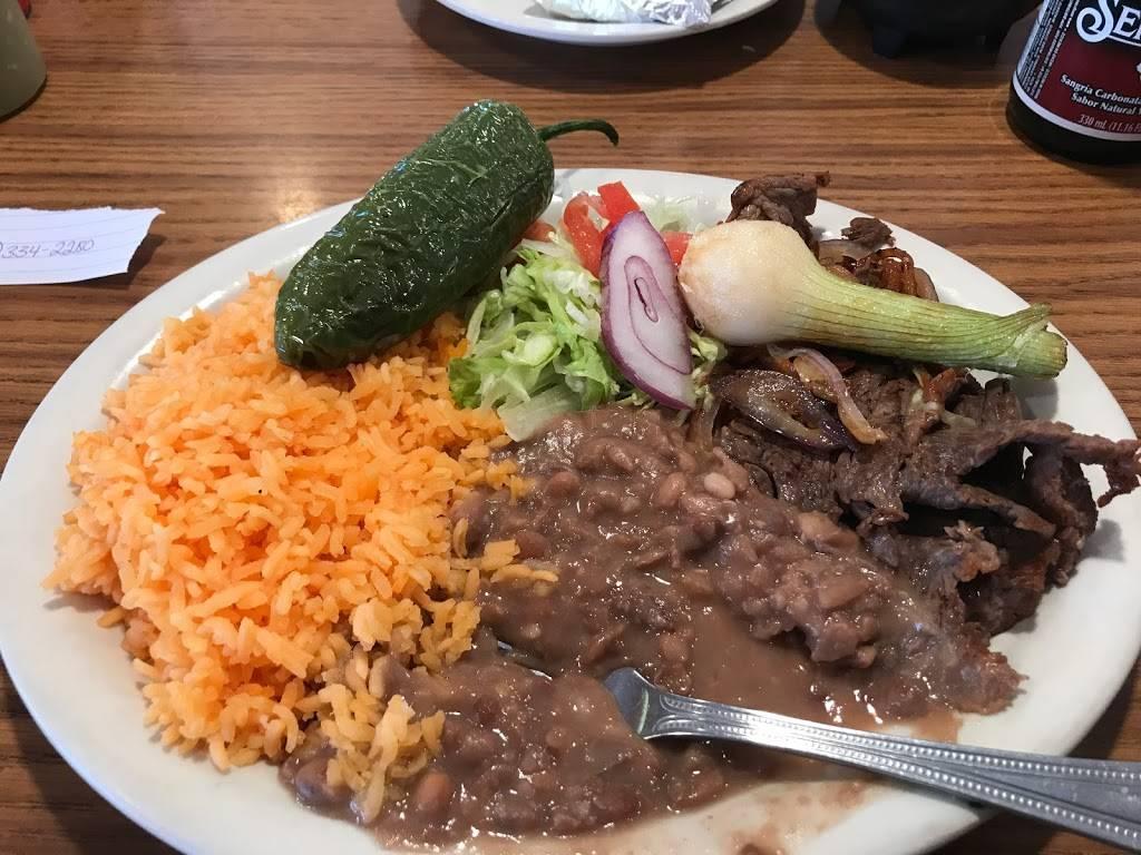 Lunas Mexican Restaurant   restaurant   226 Steinwehr Ave, Gettysburg, PA 17325, USA   7173342280 OR +1 717-334-2280