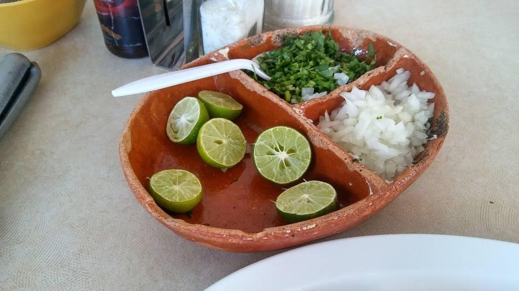 RESTAURANTE LA TIA | restaurant | Calle Del Ciprés 104, Centro Carretera, 22710 Rosarito, B.C., Mexico | 016611108015 OR +52 661 110 8015