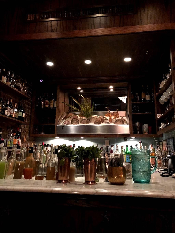 ZZs Clam Bar | restaurant | 169 Thompson St, New York, NY 10012, USA | 2122543000 OR +1 212-254-3000
