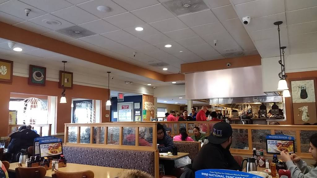 IHOP | restaurant | 141 N Dean St, Englewood, NJ 07631, USA | 2015688088 OR +1 201-568-8088