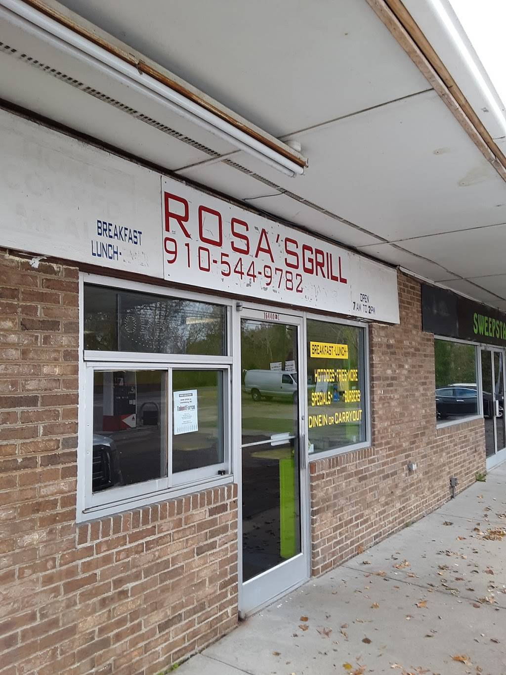 Rosas Grill   restaurant   16440 Andrew Jackson Hwy, Laurinburg, NC 28352, USA   9105449782 OR +1 910-544-9782