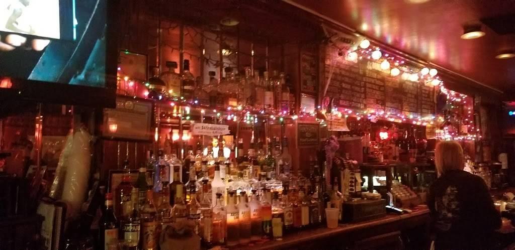 Alligator Lounge   restaurant   600 Metropolitan Ave, Brooklyn, NY 11211, USA   7185994440 OR +1 718-599-4440
