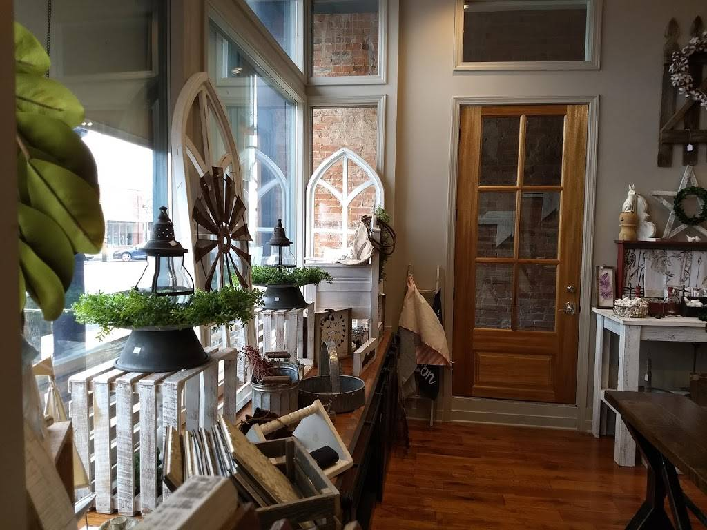 Travelers Lantern Market & Cafe | restaurant | 103 South Main St, Trenton, KY 42286, USA | 2706043613 OR +1 270-604-3613