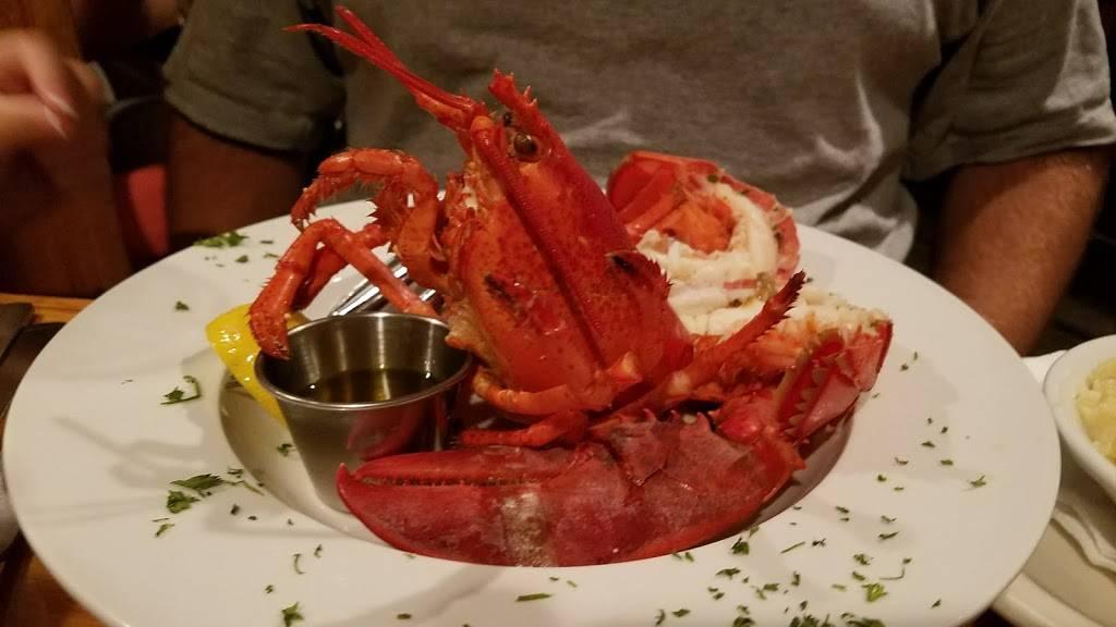 Fins Fish House & Raw Bar   restaurant   243 Rehoboth Ave, Rehoboth Beach, DE 19971, USA   3022263467 OR +1 302-226-3467