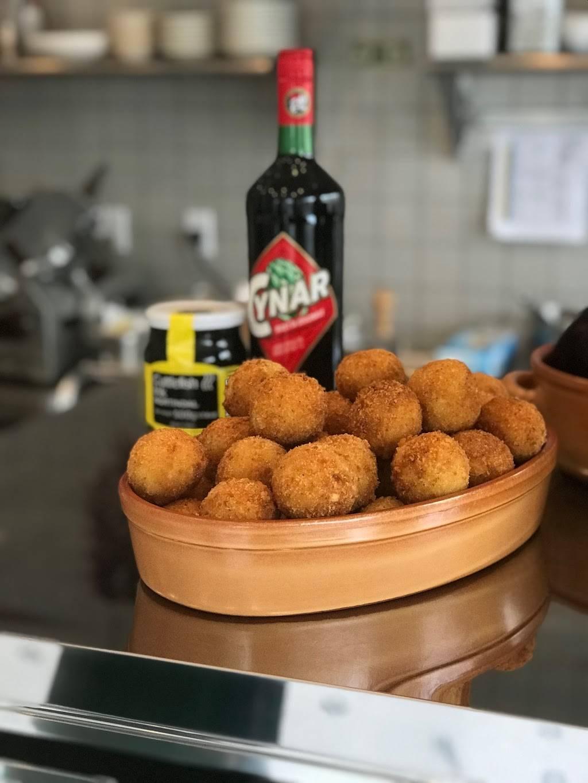 Carmenta's Italian Specialties | restaurant | 2706, 50 Starr St, Brooklyn, NY 11221, USA | 7186765003 OR +1 718-676-5003