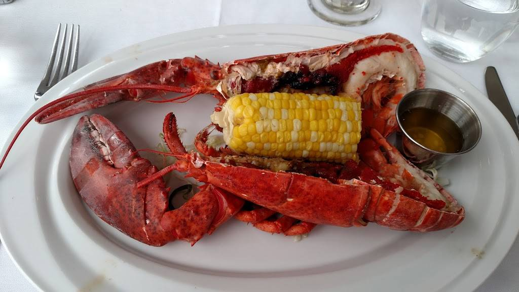 Molos | restaurant | 1 Pershing Rd, Weehawken, NJ 07086, USA | 2012231200 OR +1 201-223-1200