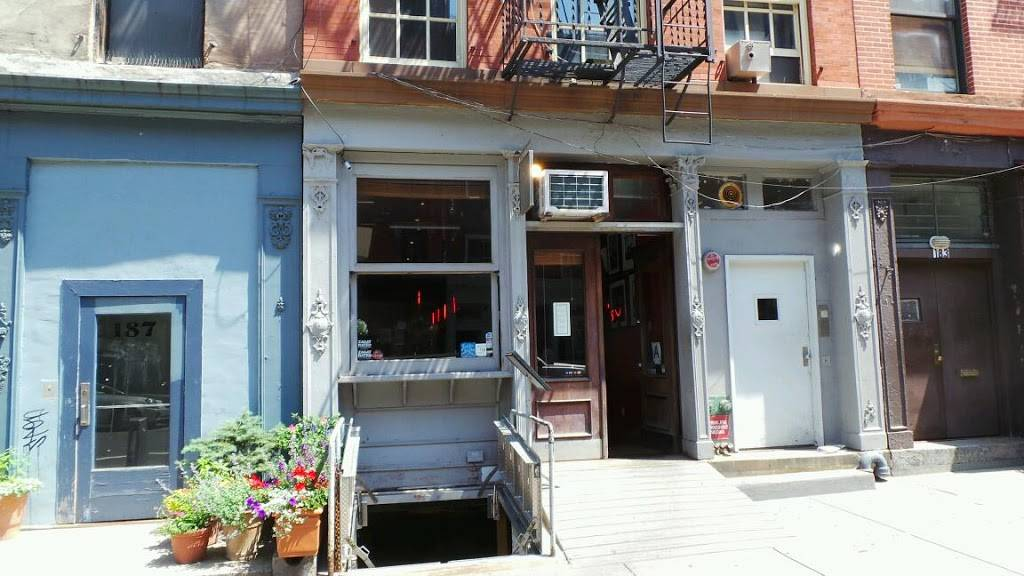 The Hideaway Tribeca | restaurant | 185 Duane St A, New York, NY 10013, USA | 2123345775 OR +1 212-334-5775