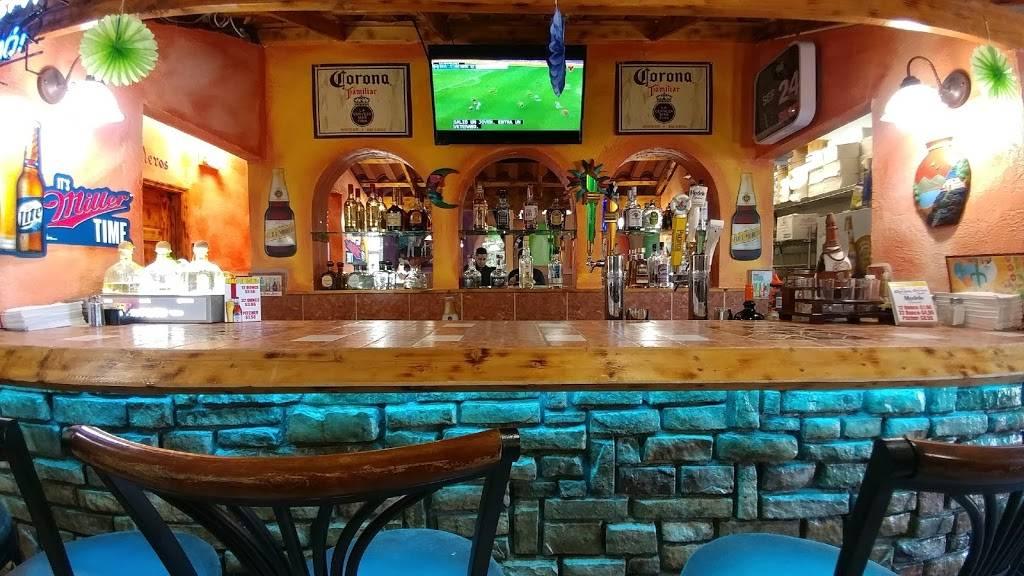 Guacamoles Mexican Restaurant | restaurant | 1490 Tiny Town Rd B5, Clarksville, TN 37042, USA | 9319192272 OR +1 931-919-2272
