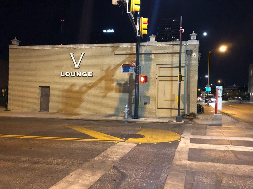 V Lounge | night club | 107 E Martin St, San Antonio, TX 78205, USA | 2107104190 OR +1 210-710-4190