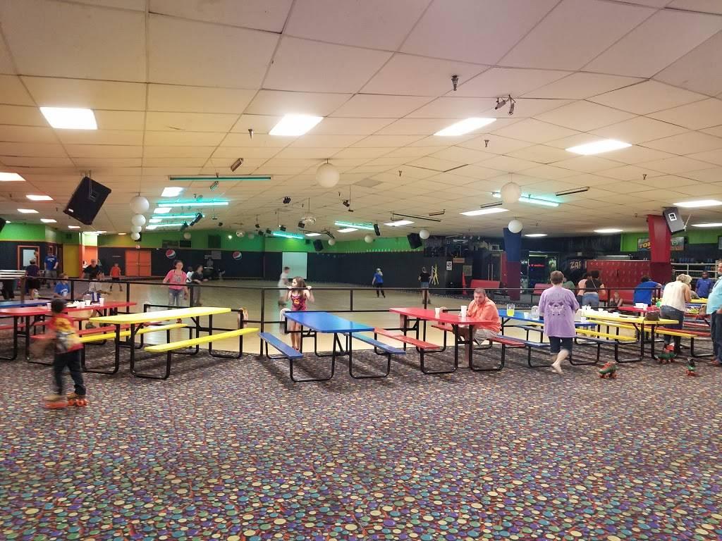 Windjammer Fun Center | restaurant | 3846 S Danville Bypass, Danville, KY 40422, USA | 8592368808 OR +1 859-236-8808