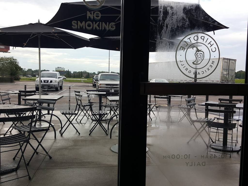 Chipotle Mexican Grill | restaurant | 2410 Tanger Blvd, Gonzales, LA 70737, USA | 2256470828 OR +1 225-647-0828