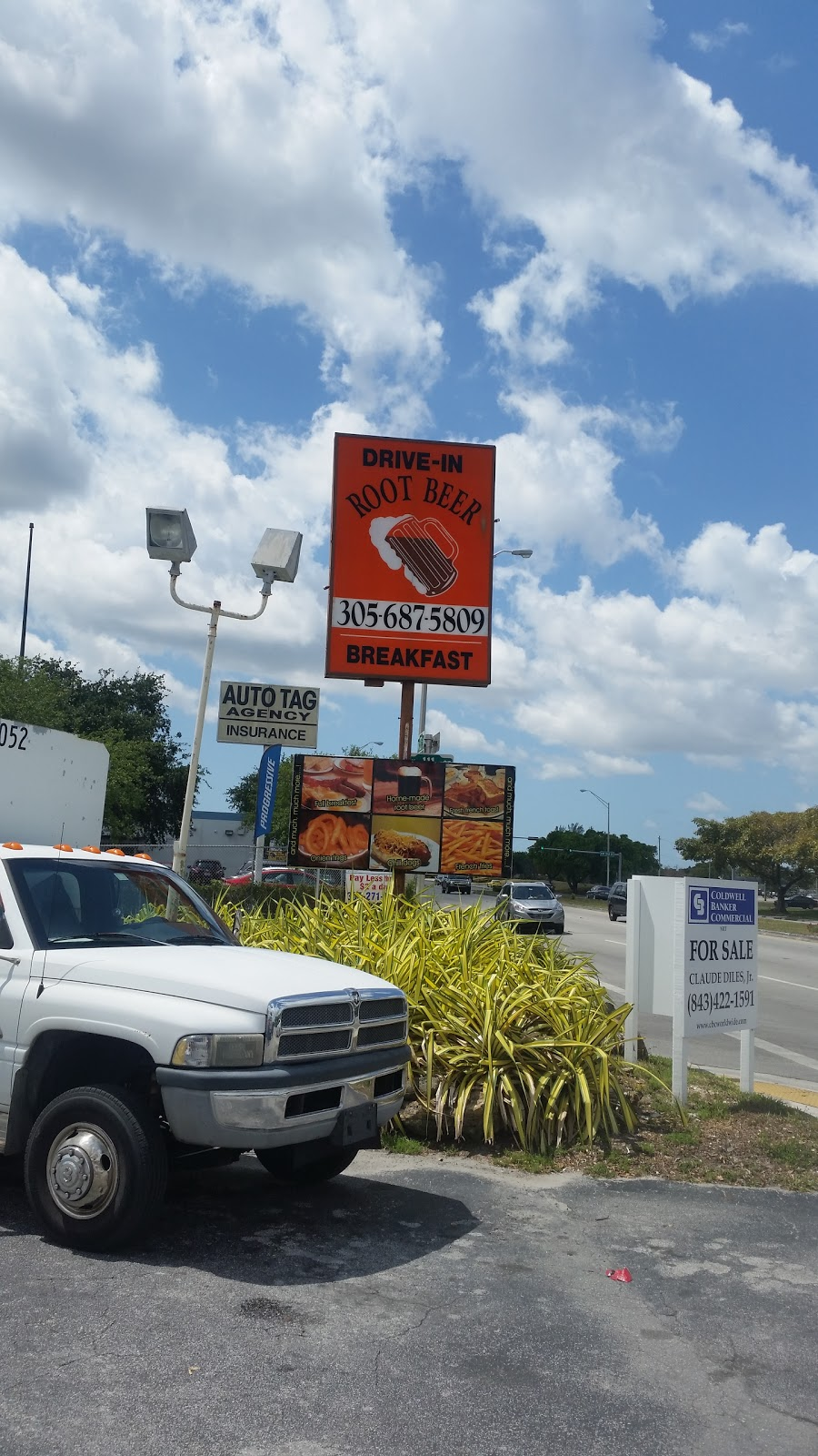 Root Beer Drive In | restaurant | 11101 NW 27th Ave, Miami, FL 33167, USA