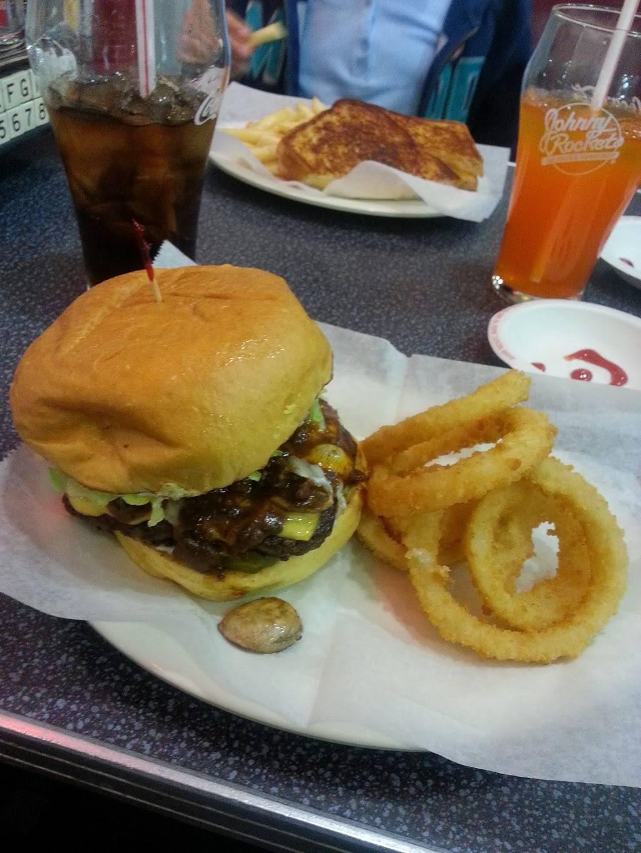 Johnny Rockets | restaurant | 284 Woodbridge Center Dr, Woodbridge, NJ 07095, USA | 7323261500 OR +1 732-326-1500