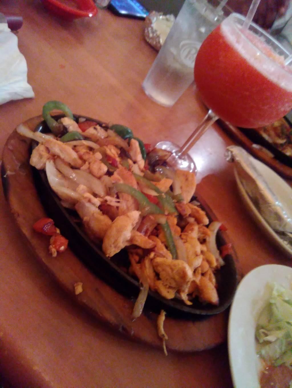 Las Cascadas | restaurant | 301 Main St E, Ninety Six, SC 29666, USA | 8645433222 OR +1 864-543-3222