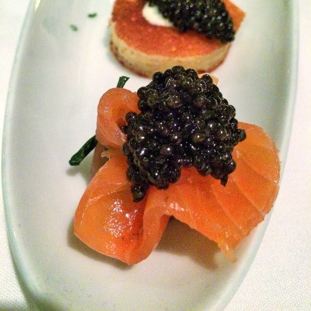Petrossian Boutique & Cafe | cafe | 911 7th Ave, New York, NY 10019, USA | 2122452217 OR +1 212-245-2217