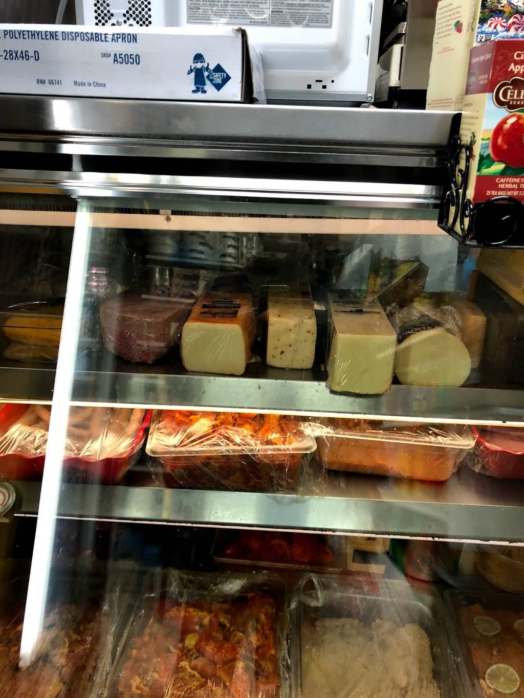 Adames Deli Grocery | restaurant | 113 Avenue D, New York, NY 10009, USA | 2125053257 OR +1 212-505-3257