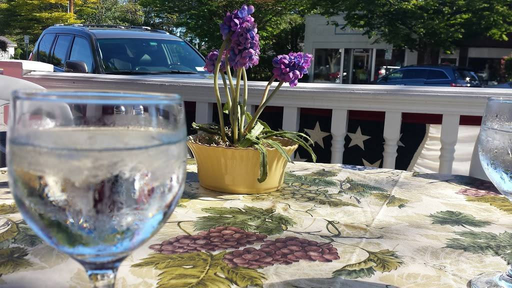 Post Stop Cafe | cafe | 144 Main St Westhampton, Westhampton Beach, NY 11978, USA | 6312889777 OR +1 631-288-9777