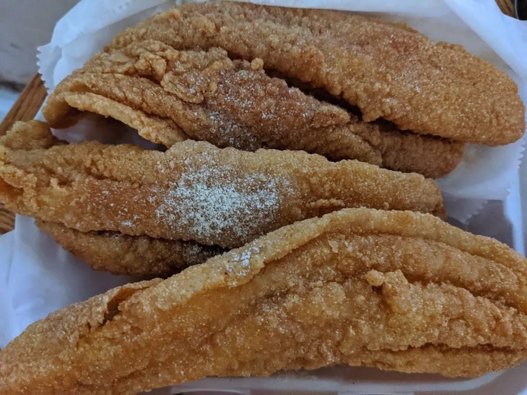 Catfish | restaurant | 6020 Old Troy Pike, Dayton, OH 45424, USA | 9379654100 OR +1 937-965-4100