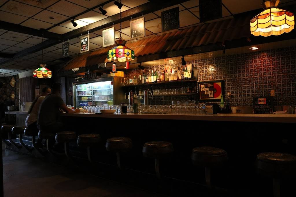Quinns   restaurant   330 Main St, Beacon, NY 12508, USA   8452027447 OR +1 845-202-7447