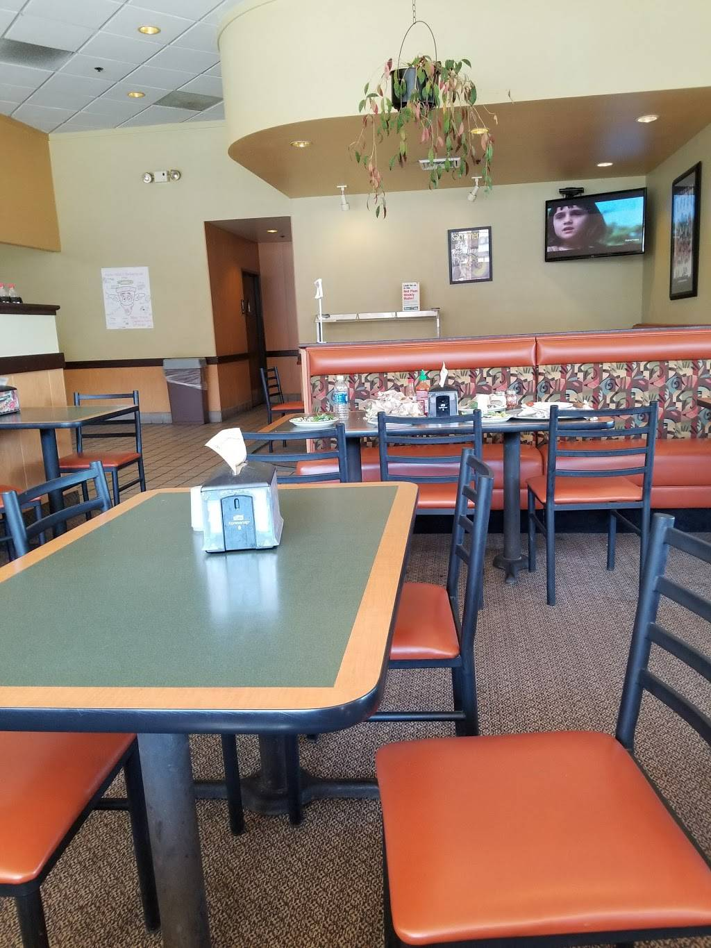 Round Table Pizza | meal delivery | 4005 Manzanita Ave, Carmichael, CA 95608, USA | 9164854209 OR +1 916-485-4209
