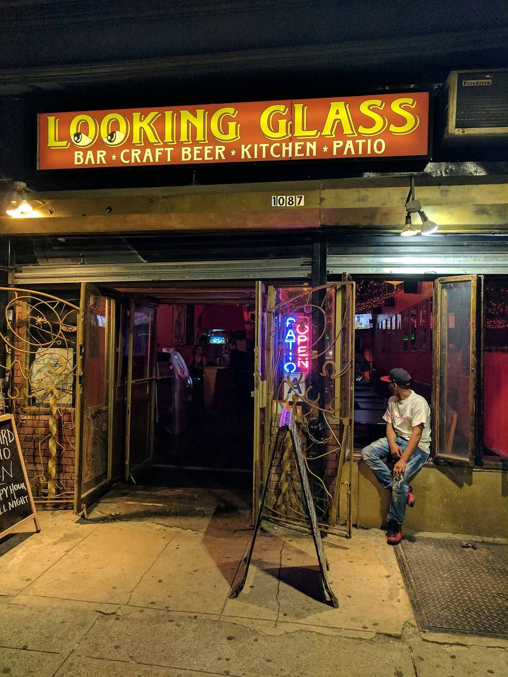 Looking Glass | restaurant | 1087 Broadway, Brooklyn, NY 11221, USA | 9179669674 OR +1 917-966-9674