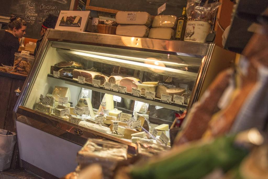 Barnyard Cheese Shop | meal takeaway | 168 Avenue B, New York, NY 10009, USA | 2126742276 OR +1 212-674-2276