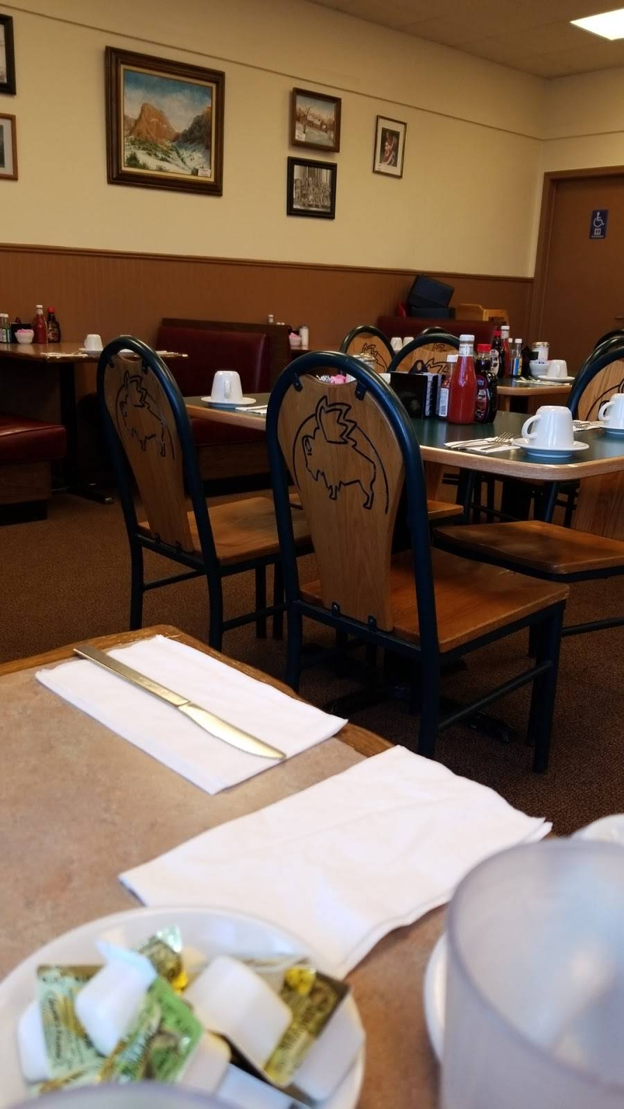 Michaels Pancake House | bakery | 6753 W 111th St, Worth, IL 60482, USA | 7089236608 OR +1 708-923-6608
