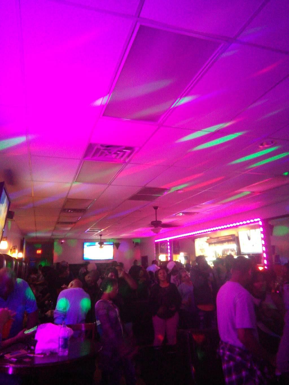 Reggae Grill | night club | 301 Rice Meadow Way #7, Columbia, SC 29229, USA | 8035696395 OR +1 803-569-6395