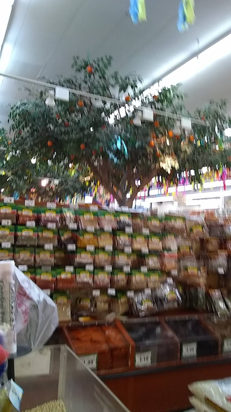 Cardenas Markets | bakery | 31952 Mission Trail, Lake Elsinore, CA 92530, USA | 9514716860 OR +1 951-471-6860