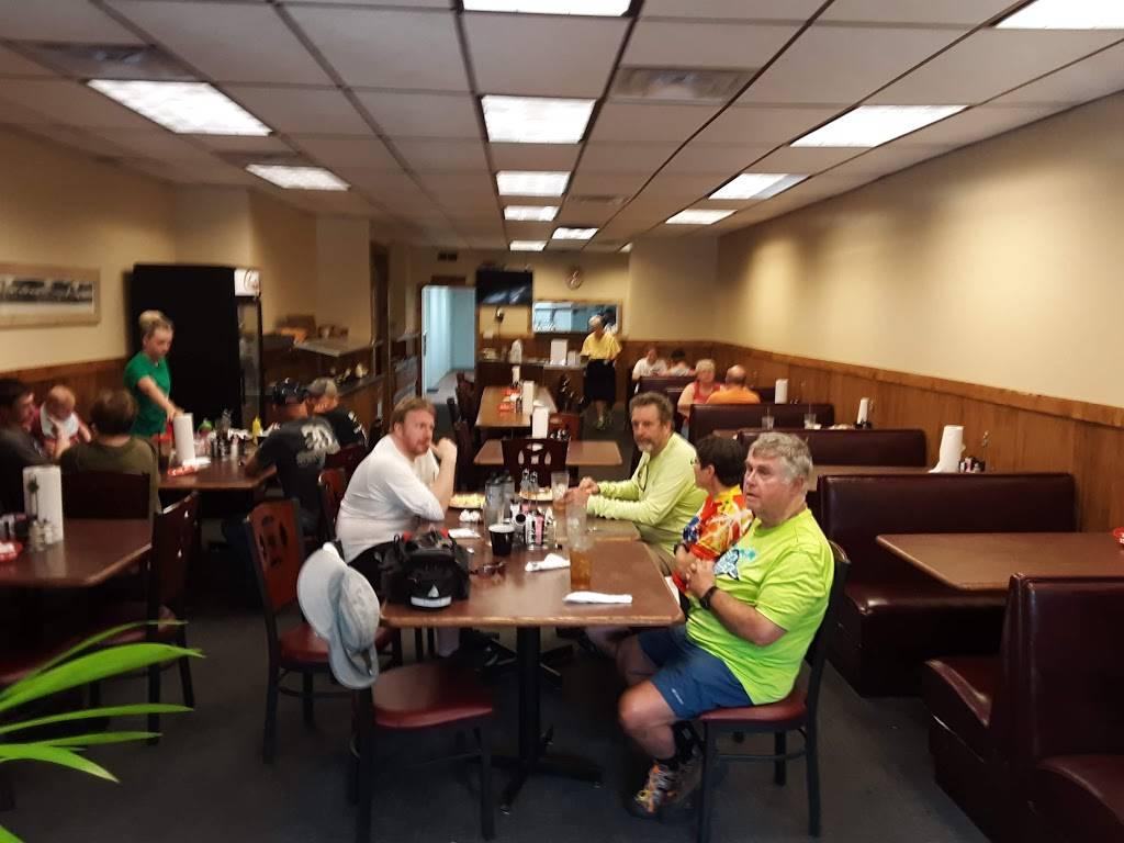 Chrisman Cafe | restaurant | 1001, 132 N Illinois St, Chrisman, IL 61924, USA | 2172692826 OR +1 217-269-2826
