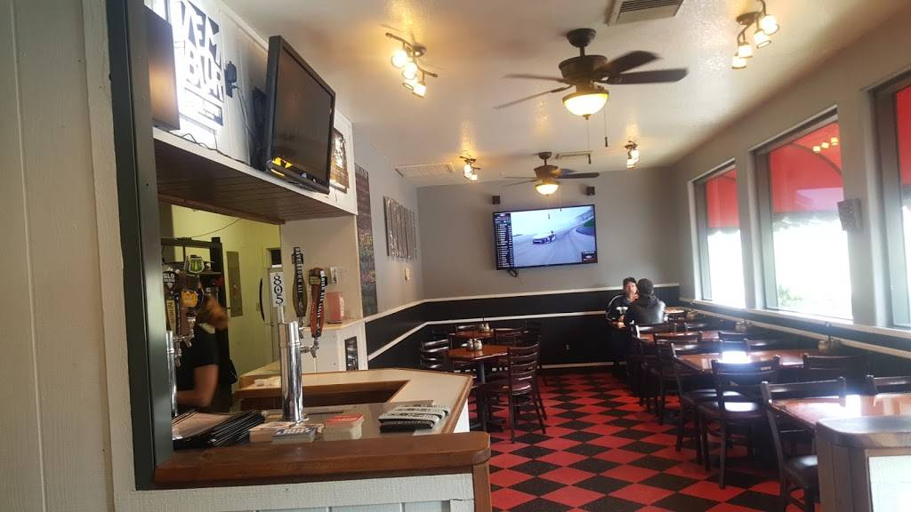 Papas Pizza | restaurant | 27821 Stallion Springs Dr, Tehachapi, CA 93561, USA | 6618239326 OR +1 661-823-9326