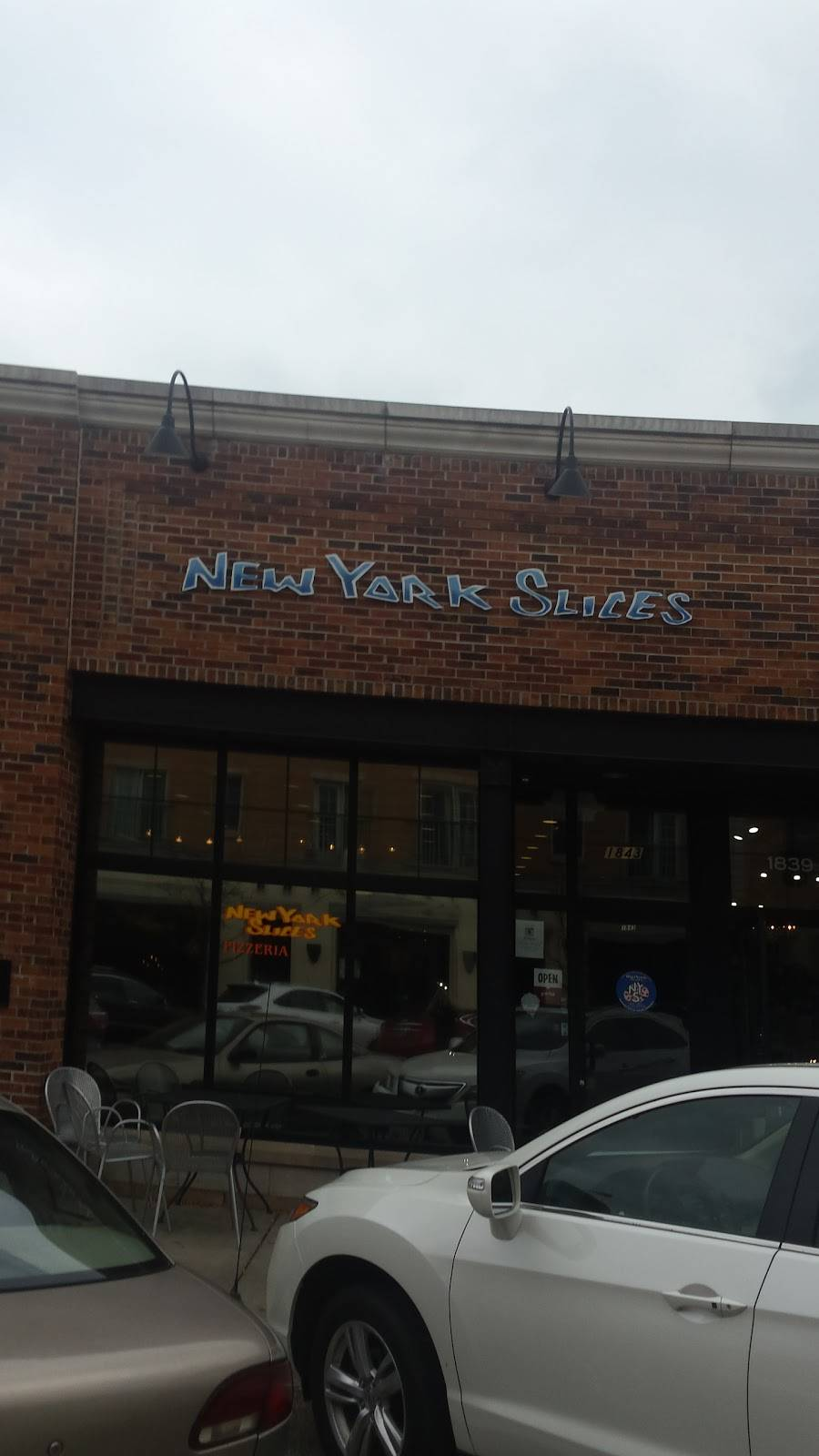 New York Slices   meal delivery   1843 2nd St, Highland Park, IL 60035, USA   8474326979 OR +1 847-432-6979