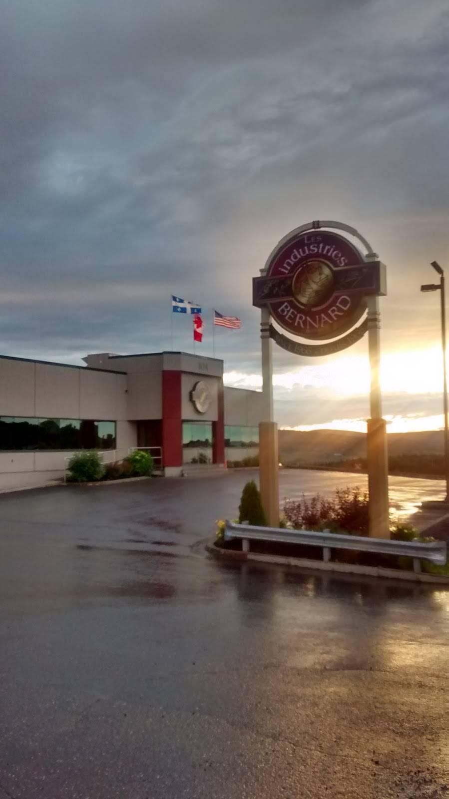 Industries Bernard & Fils Ltée   restaurant   104 Rue Industrielle-du-Boisé, Saint-Victor, QC G0M 2B0, Canada   4185886109 OR +1 418-588-6109