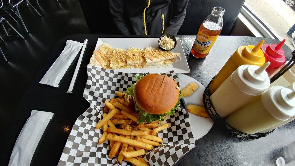 Los Verdes New York | restaurant | 1708, 46-26 Greenpoint Ave, Sunnyside, NY 11104, USA | 7182556600 OR +1 718-255-6600