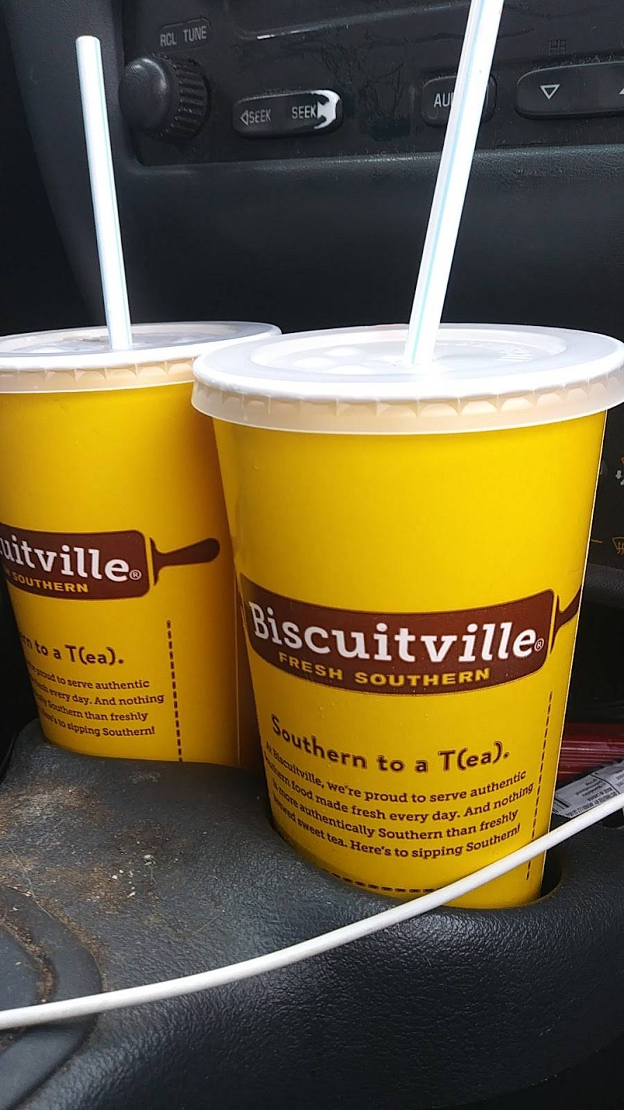 Biscuitville | cafe | 3648 Reynolda Rd #162, Winston-Salem, NC 27106, USA | 3369240049 OR +1 336-924-0049
