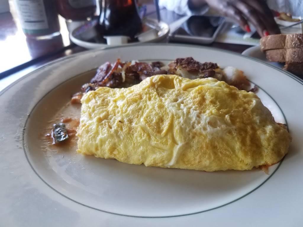 Dinos Restaurant | restaurant | 20390 Lake Chabot Rd, Castro Valley, CA 94546, USA | 5105371454 OR +1 510-537-1454