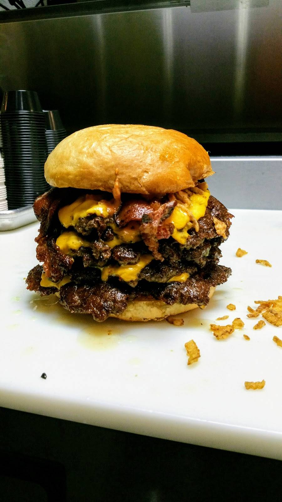 The Sear Shack Burgers and Fries   restaurant   875 W Poplar Ave Suite 6, Collierville, TN 38017, USA   9018614100 OR +1 901-861-4100