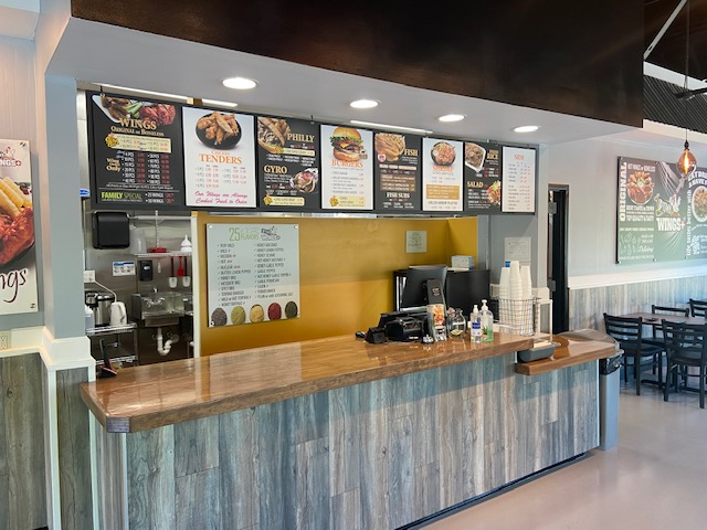 Uptown wings+ | restaurant | 5192 Nelson Brogdon Blvd suite 500, Sugar Hill, GA 30518, USA | 4705891072 OR +1 470-589-1072