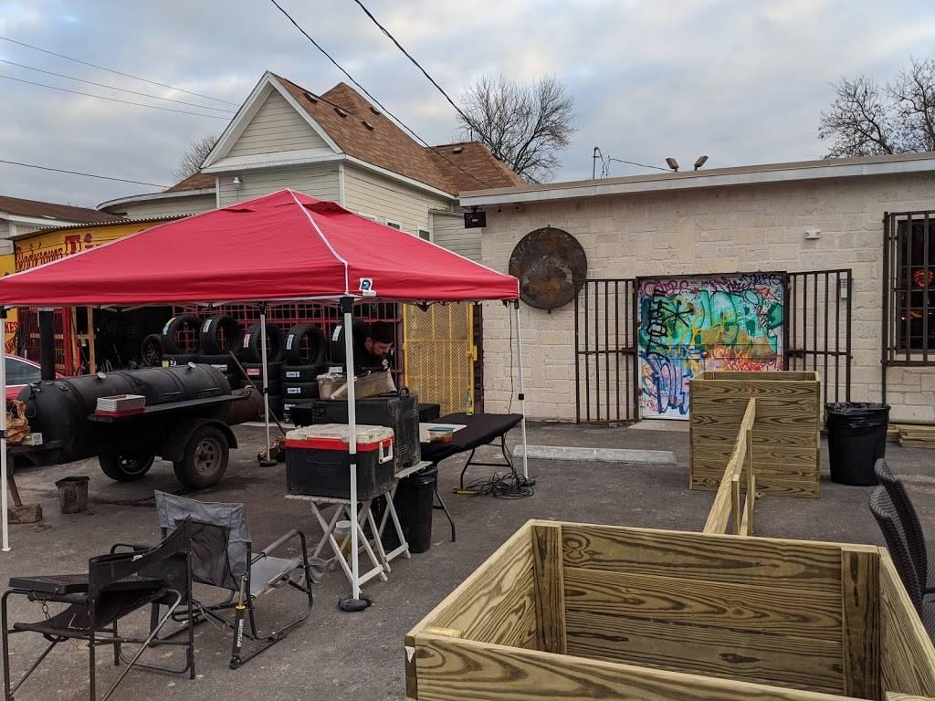 Rabbit's Got the Gun - Restaurant | 708 Hogan St, Houston, TX ...