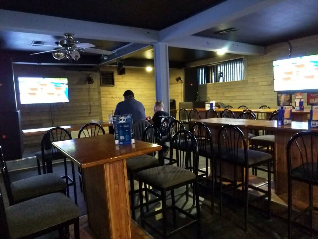 Dawg House Bar & Grill   restaurant   21350 Van Born Rd, Dearborn Heights, MI 48125, USA   3132746066 OR +1 313-274-6066