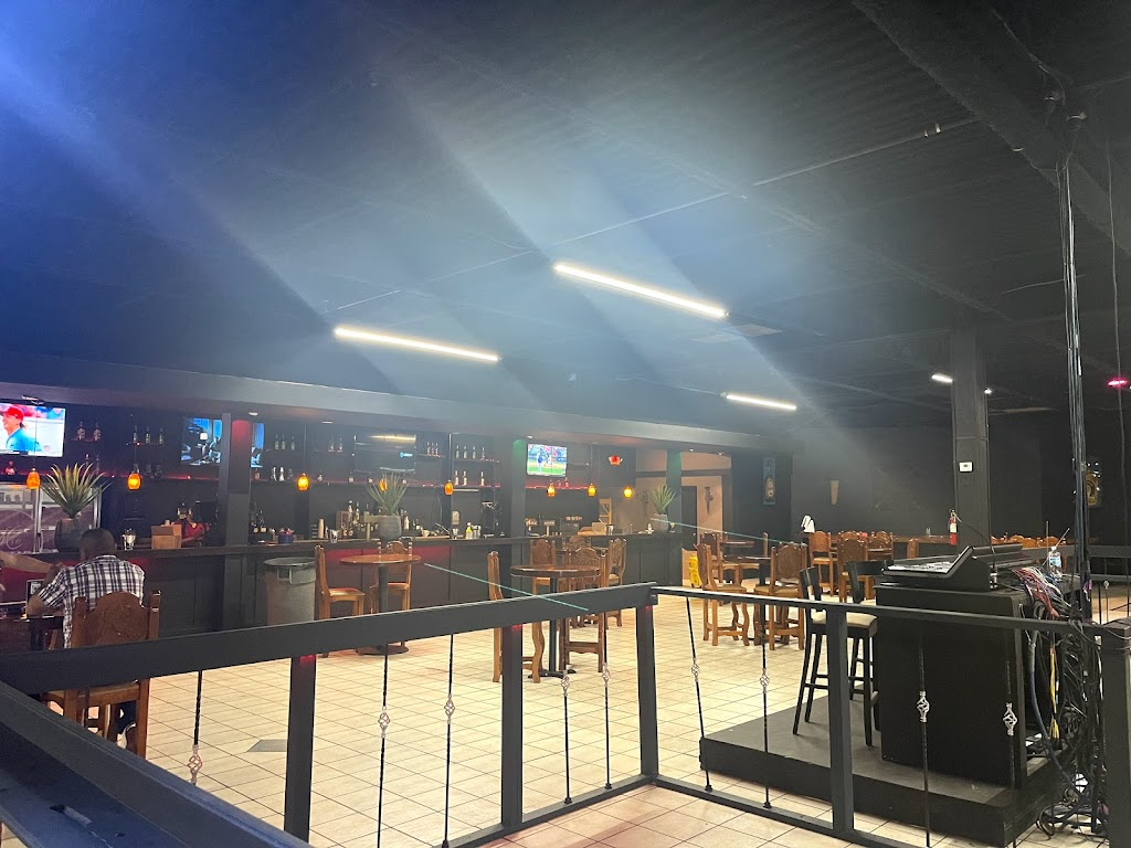 Black Agave Lounge Tequila Ortiz / Mariscos KC | restaurant | 806 W Old 56 Hwy, Olathe, KS 66061, USA | 9137800095 OR +1 913-780-0095