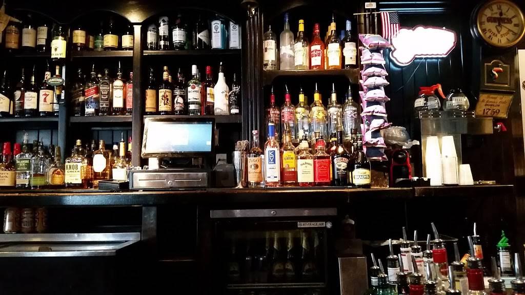 The Fastnet Pub | restaurant | 1 Broadway, Newport, RI 02840, USA | 4018459311 OR +1 401-845-9311