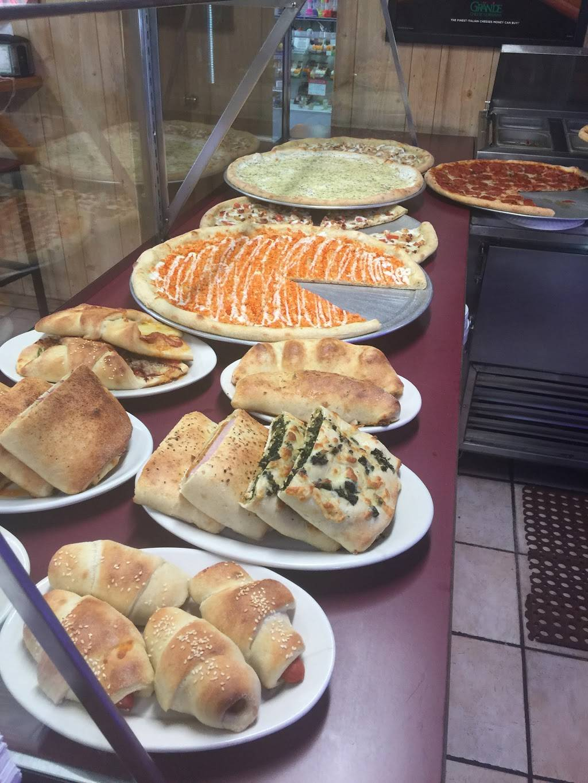 Preet Gourmet Pizza & Deli | restaurant | 1035 Little Britain Rd, New Windsor, NY 12553, USA | 8455673409 OR +1 845-567-3409