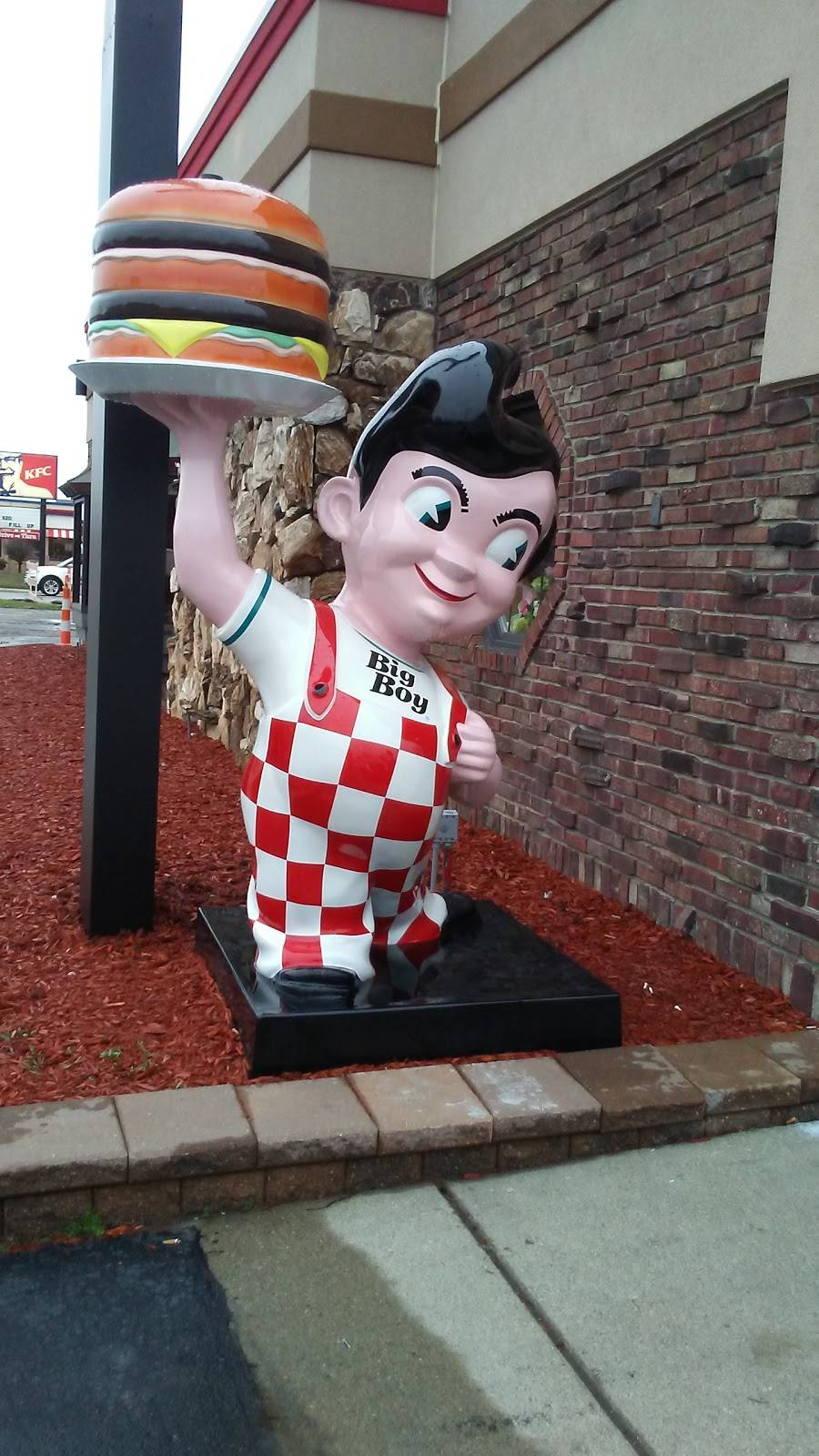 Big Boy | restaurant | 28340 Ford Rd, Garden City, MI 48135, USA | 7344252360 OR +1 734-425-2360